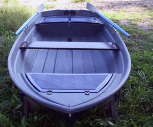 Пластиковая лодка под мотор буян